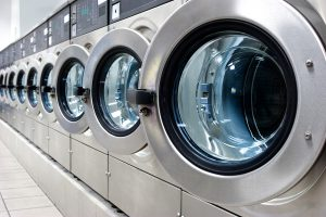 Comparing Outsourced and In-House Laundry: Which Is Best?
